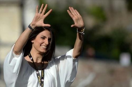 Virginia Raggi, la Roma pronta a fare causa contro la grillina