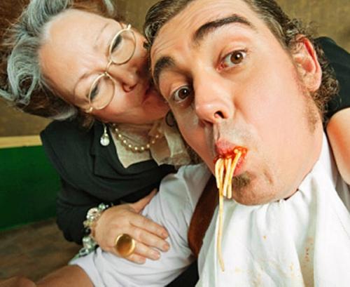 Gli italiani sono i più mammoni d'Europa