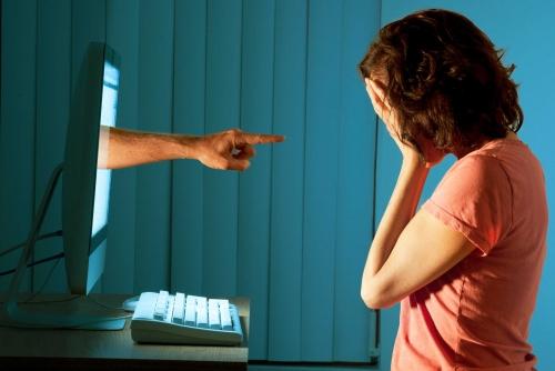 Avviata la battaglia contro il cyberbullismo — Twitter