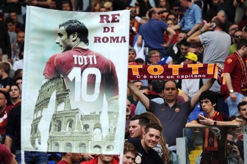 Dopo 28 anni di onorata carriera Francesco Totti saluta la Roma