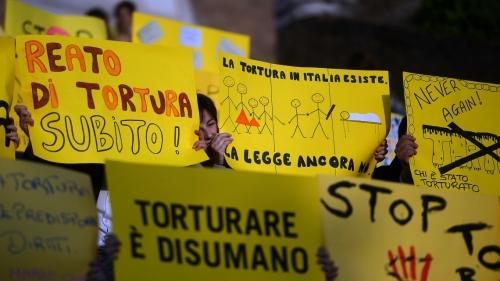Tortura, via libera della Camera al ddl
