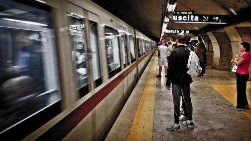 Roma, Stazione Termini: Donna trascinata da treno nella metro, è