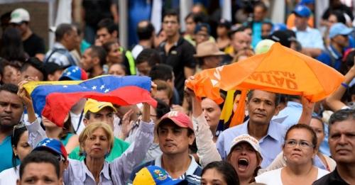 Venezuela, 7,1 milioni hanno votato al referendum anti Maduro