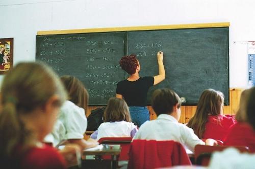 Supplenti scuola: sistema in tilt ma già 200mila modelli B inseriti