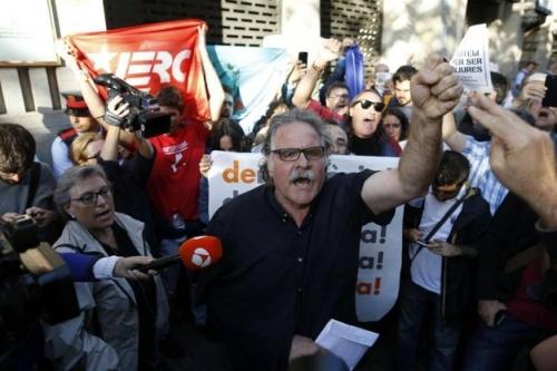 Catalogna, guardia civil in sedi governo