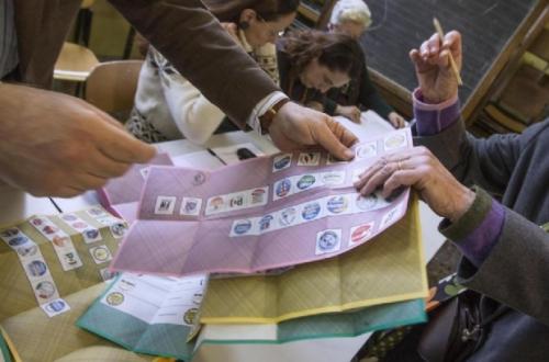 Exit Poll: centrodestra avanti ma M5S fa botto